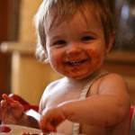 離乳食を丸呑みする【2つの理由】と対策方法