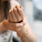 産後の手や指先のしびれの原因は?手根管症候群の可能性があります