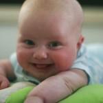 【赤ちゃんへの話しかけ方】心を育てる3つの言葉がけのコツ