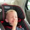 チャイルドシートを嫌がる2歳児【7つの対処法】いつから泣かなくなるの?