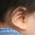 ベタベタ湿った耳垢の赤ちゃんの掃除の方法【3つのポイント】耳鼻科へ行く頻度は?