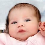 【赤ちゃんの逆さまつげ】いつ治る?眼科に行く時期や手術の必要性について考察しました