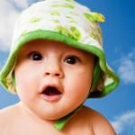 [帽子嫌いな赤ちゃん対策5選]すぐにポイッと取る問題を解決!